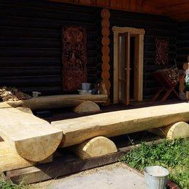 Заканчиваем работы по отделке бани. Все работы по дереву выполнены нашими плотниками.