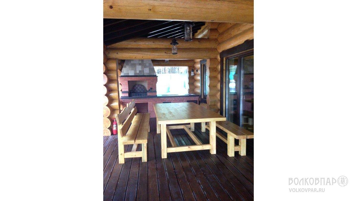 Вся уличная мебель выполнена руками наших плотников