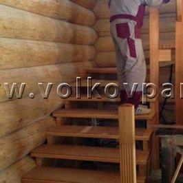 Монтируется межэтажная лестница