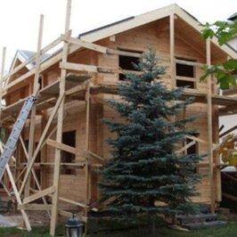 Завершены работы по устройству крыши банного дома