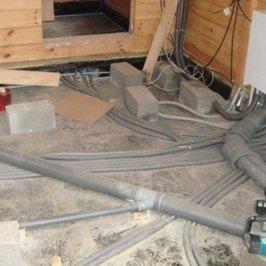 Завершены работы по установке радиаторов отопления, разводке горячей и холодной воды и канализации