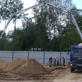 На площадку пришел бетонон