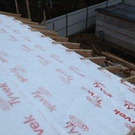 В устройстве крыши используем парогидроизоляцию Tyvek