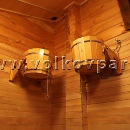 В помывочной установлены ведра для обливания