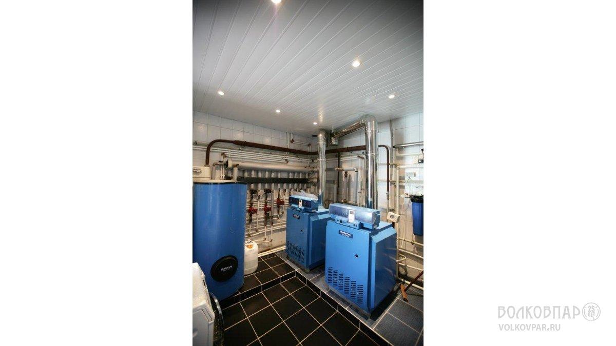 Котельная. 2 котла мощностью по 56 Квт отапливают основной дом, гостевой дом и баню
