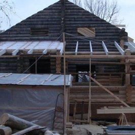 Продолжается работа по устройству крыши
