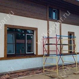 Завершена отделка стен деревянными элементами