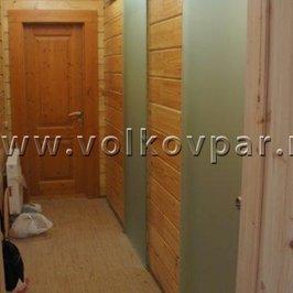 Установлены стеклянные откатные двери в помывочную и массажную