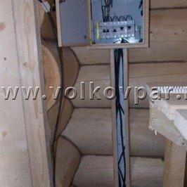 Установлен электрический щит, ведется разводка электрики, согласно проекту
