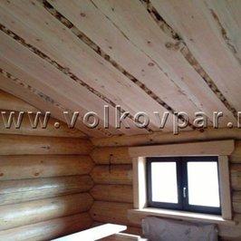 Завершены работы по отделке потолка и окон на первом  и втором этажах