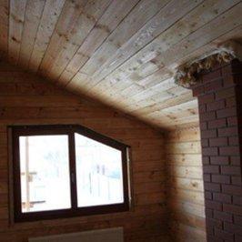 Отделка вагонкой потолка одной из спален