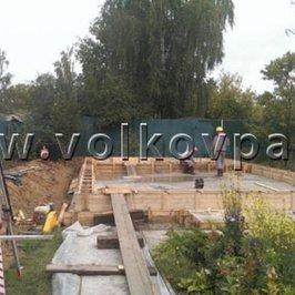 Подготовка опалубки ростверка к заливке бетона