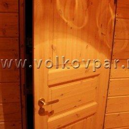 В доме установлены все двери