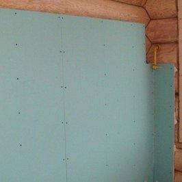 В деревянной части дома установлены листы ГВЛ для укладки плитки на кухне и санузлах